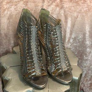 Kelli Dagger heels size 8.5